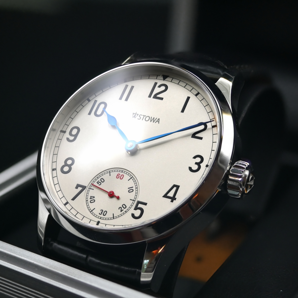 Stowa Marine Original Red LE: Elegance with the nautical touch